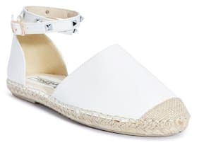Truffle Collection White Flats