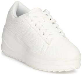 Truffle Collection Women Synthetic Solid Casual Casual Shoes