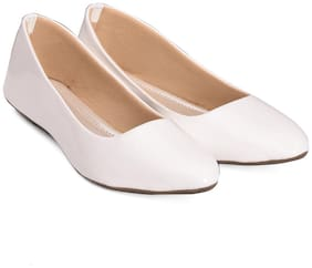 tryfeet Women's White Pointed Bellies
