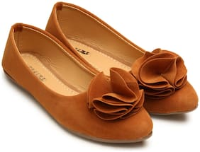 tryfeet Women's Tan Pointed Bellies