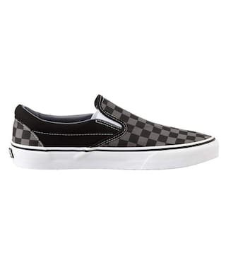 aa92a97986 Buy Vans Unisex Classic Slip-On Canvas Loafers and Moccasins Online ...