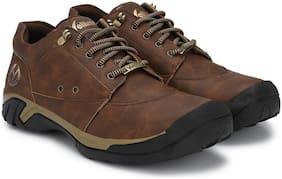 VELLINTO Men Brown Outdoor Boots
