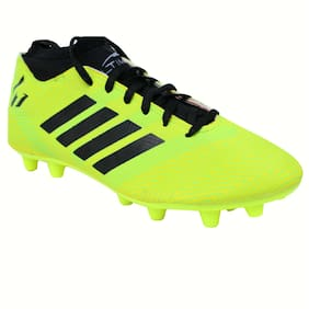 Winsome Deal Men Football Shoes ( Green )