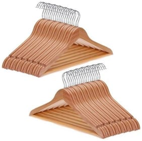 MG WORLD Plastic Brown Hangers ( Set Of 1 )