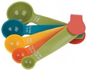 5 Different Size Plastic Measuring Spoons ( Multicolor)