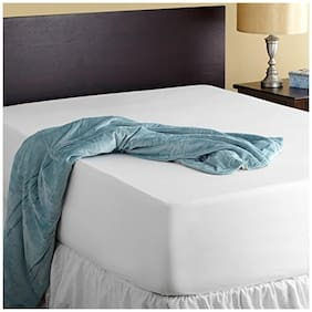 AVI High Quality Double Mattress Protector (72x72) With Set of 2 Pcs. Standard Size Pillow Protector(17x27) and make your bed spill proof- White