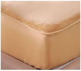 AVI Set of 2 PcsMattress Cover-72x78 With Set of 4 Standard Size Zipper Pillow Protector/Waterproof Pillow Cover-17x27 (Beige)