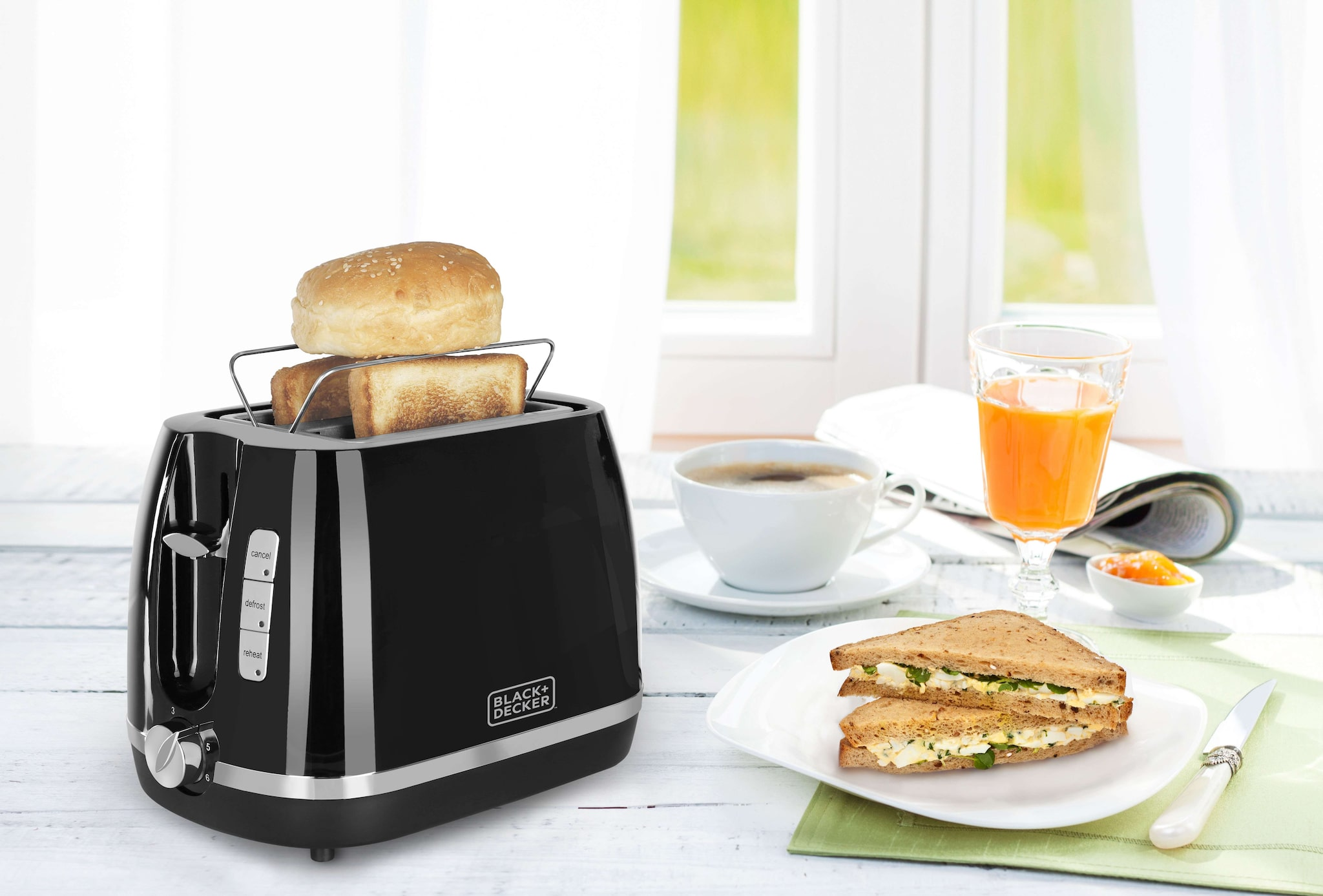 Black + Decker BXTO0202IN 2 Slice Pop Up Toaster (Black)