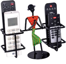 D&V ENGINEERING Remote holder/Remote stand with welcome gesture lady for 4 remotes (RED & GREEN)