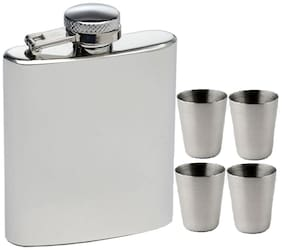 PIA INTERNATIONAL FIRST QUALITY Hip Flask 226.79 g (8 OZ) With 4 Shot Glasses