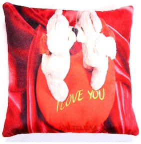 Express your love with Welhouse India Teddy Kising Print  Cushion Cover For Love ones