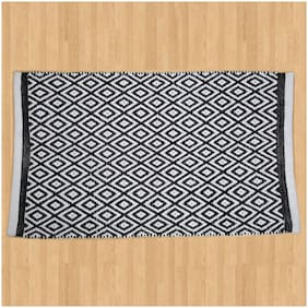 Handmade area rug cotton 31 X 24 inch best for bedroom;living room;drawing room- Black