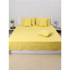 House This Valley Of Flowers-Flora 100% Cotton Double Bedcover & 2 Pillow Covers- Yellow