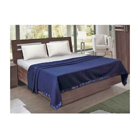 Peponi Ant fill Woolen with satin border Fleece Blankets