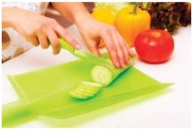 Plastic Folding Chopping and Cutting Board for Easy Cut Vegetables/Fruits/Bread in Kitchen