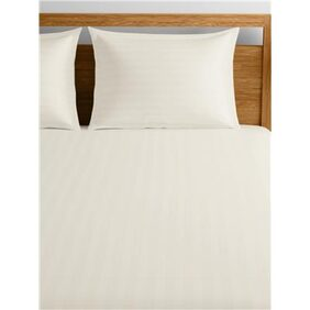 Raymond Home White Double Bedsheet with 4 Pillow Covers