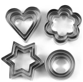 Right traders cookie cutter, cake mould