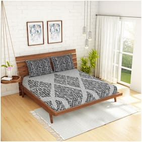 Spaces Cotton Geometric King Size Bedsheet 210 TC ( 1 Bedsheet With 2 Pillow Covers , Grey )