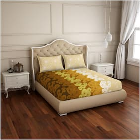 Spaces Cotton Geometric Double Size Bedsheet 144 TC ( 1 Bedsheet With 2 Pillow Covers , Beige & Yellow )
