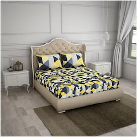 Spaces Cotton Geometric Double Size Bedsheet 144 TC ( 1 Bedsheet With 2 Pillow Covers , Black & Yellow )
