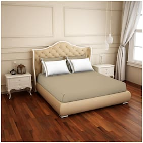 Spaces Cotton Solid King Size Bedsheet 300 TC ( 1 Bedsheet With 4 Pillow Covers , White & Beige )
