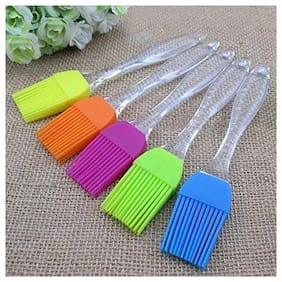 Special Quality Plastic Assorted Oil Brushes ( Set of 5 pcs )