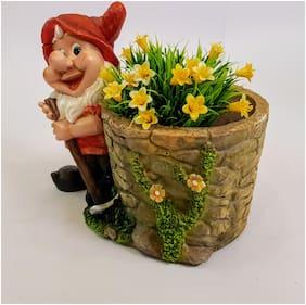 Wonderland Gnome with planter