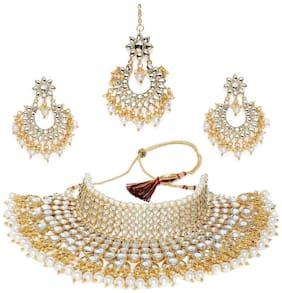 Etnico Gold Plated Stylish Kundan Choker Set With Tikka And Earrings (K7085W)