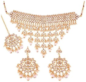 Etnico Gold Plated Traditional Kundan Choker Necklace Set with Earrings & Maang Tikka For Women