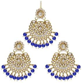 Etnico Gold Plated Traditional Kundan Pearl Earrings & Maang Tikka For Women