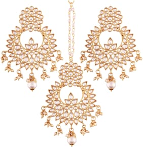 Etnico Gold Plated Kundan & Pearl Earring Set with Maang Tikka for Women (eTE2456W)