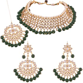Etnico Green Alloy Bridal Wear Choker Necklace