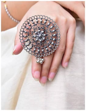 Fashion Flower Statement Finger Ring In Oxidized Metal