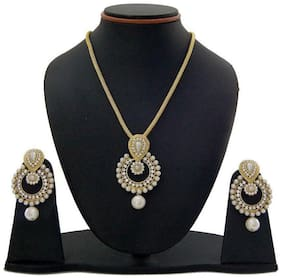 Grand jewels Alloy Gold Plating Beads Studded Gold Coloured Pendant With Chain
