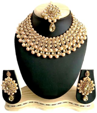 HARITA Gold Plated Traditional Kundan & Pearl Necklace Set Jewellery Set With Maang Tikka and Earings. Golden (HANS-HP-1005G)