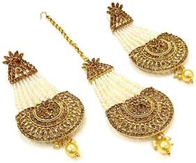 HARITA Jhumar Style Kundan, White Pearl Jhoomar Earrings & Passa  Maang Tikka Golden Colour (HET-3001GD)