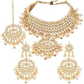 Karatcart 22K GoldPlated Partywear Traditional Kundan Pearl Choker Jewellery Set for Women
