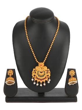 Kord Store Jewellery Set - Special Design American Diamond Engraved Golden Necklace with a Pair of Beautiful Earrings