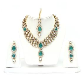 Lucky Jewellery Line Ferozi Kundan Necklace Set With Mang Tika