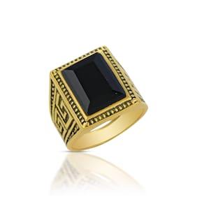 Memoir Brass Goldplated Big and Heavy Black Onyx Fingerring Men Fashion (ORMI5716)