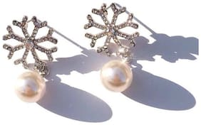 Popmode Minimal Snowflake Cubic Zircon and Pearl Earring