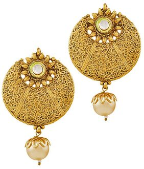 Apara GOLDEN ROUND NETTED DESIGN WITH KUNDAN AND PEARL DROP