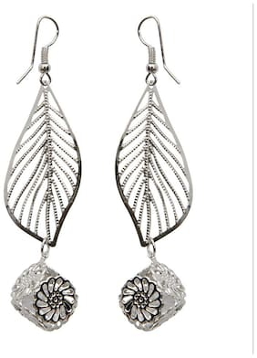 Grand Jewels Stylish Silver Earring