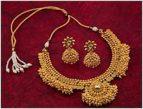 Sukkhi Brilliant Pearl Gold Plated Wedding Jewellery Choker Necklace Set For Women