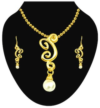 0f5ea75463 Surat Diamonds Trendy Imitation Shell Pearl & Gold Plated Pendant with  Chain & Earring Set for