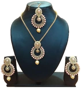 aec5805ff Urbanela Party Wear Crystal Choker Traditional Jewellery Necklace Set with  Maang Tikka Earrings for Women :
