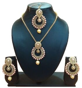 Urbanela Party Wear Crystal Choker Traditional Jewellery Necklace Set with Maang Tikka Earrings for Women : Bridal Jewellery  : ADGB07-GOLDEN