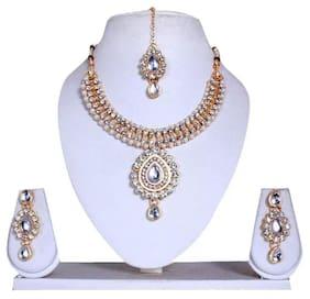 Urbanela Party Wear Crystal Choker Traditional Jewellery Necklace Set with Maang Tikka Earrings for Women : Bridal Jewellery ADGB05-WHITE