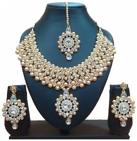 Urbanela Party Wear Crystal Choker Traditional Jewellery Necklace Set with Maang Tikka Earrings for Women : Bridal Jewellery : URGB06-WHITE