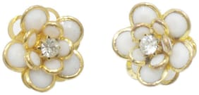 White and golden floral stud (Set Of 5)